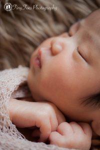 タイニートーズ新生児フォトニューボーンフォト女の子生後18日