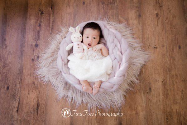 タイニートーズ新生児フォトニューボーンフォト女の子生後10日