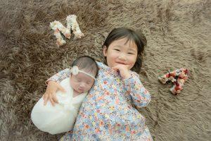 ニューボーンフォト0ヶ月姉妹兄弟記念写真