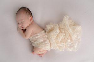 タイニートーズ新生児フォトニューボーンフォト女の子生後0ヶ月