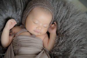 タイニートーズ男の子赤ちゃん新生児フォトニューボーンフォト藤枝市焼津市静岡市0歳0ヶ月家族写真ファミリーショット