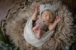 男の子赤ちゃんタイニートーズマタニティフォト ニューボーンフォト 撮影 妊娠後期 初マタ プレママ 出産準備 フォトスタジオ 出張撮影 セルフニューボーンフォト セルフ新生児フォト レンタル小物 静岡ママ 出産前 妊娠中新生児期記念撮影写真産まれましたはじめてはじめまして予定日出産予定産婦人科助産師母乳ミルク アート母子手帳臨月安定期 沼津市熱海市三島市富士宮市伊東市島田市富士市磐田市焼津市掛川市藤枝市御殿場市袋井市下田市裾野市湖西市伊豆市菊川市牧之原市清水区川根町森町藤枝市島田市掛川浜松 予定日出産予定妊娠9ヶ月8ヶ月7ヶ月